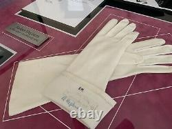 Audrey Hepburn Vintage Production Worn White Leather Gloves WithSigned Photograph